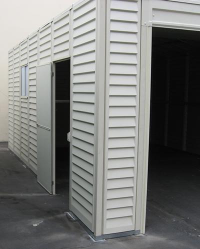 ½ w x 5 ½ h 113lbs front roll up door and easy access side door