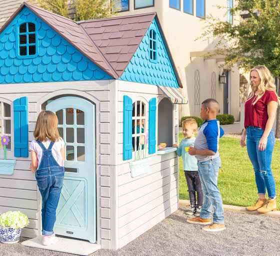 Lifetime Playhouse Kit In Backyard